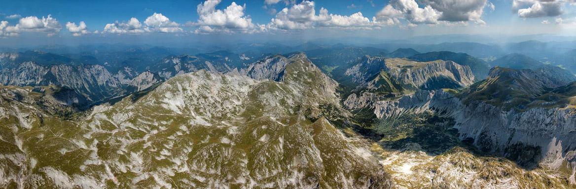 Der Hochschwab in den östlichen Nördlichen Kalkalpen Blick Richtung Nordosten